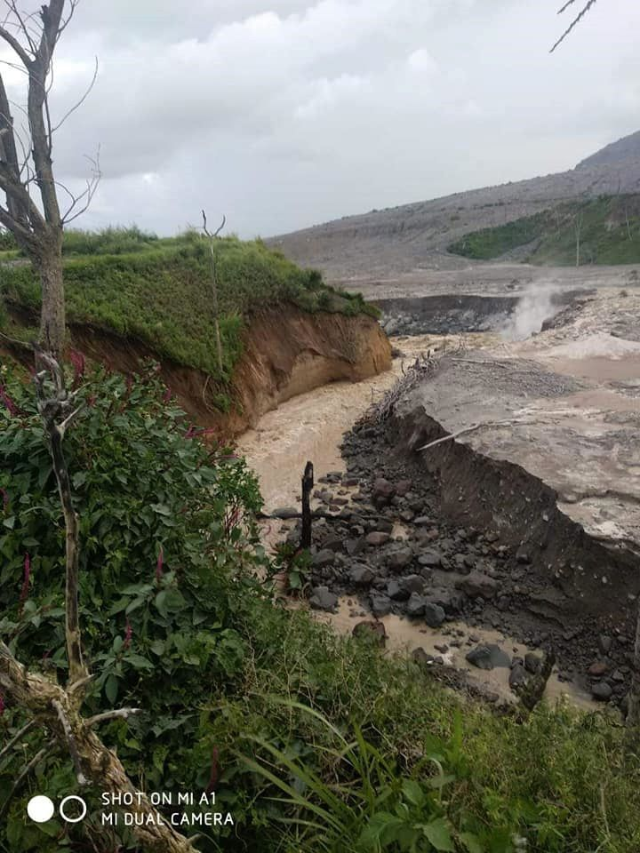 Sinabung - 17.11.2018 - the reservoir begins to drain ... risks of lahars - photo Sadrah Peranginangin