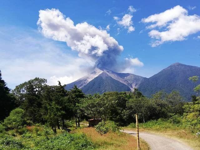 Fuego - avalanches le 22.11.2018 dans les drainages principaux - photo Conred