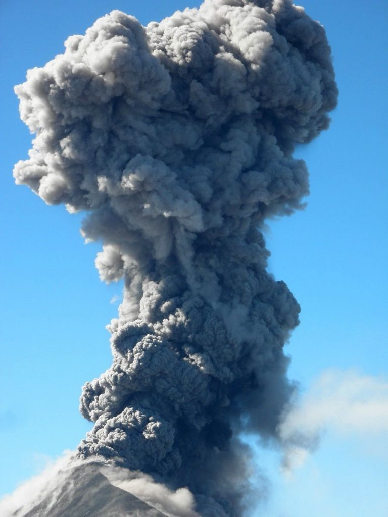 Fuego - important emission of ashes on 28.11.2018 - photo Volcanofiles