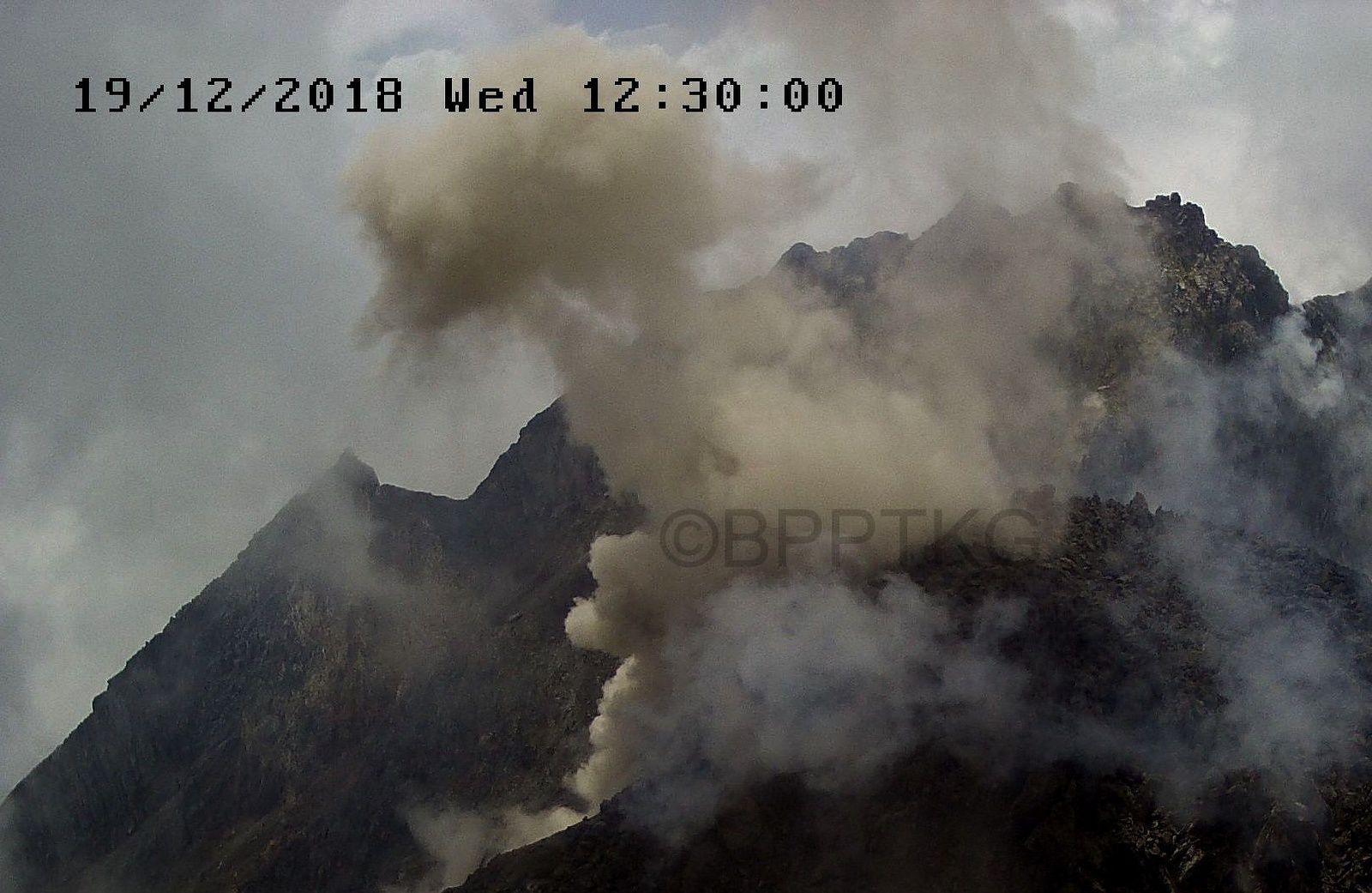 Merapi - avalanche de débris le 19.12.2018 / 12h30 loc. - Doc. BPPTKG