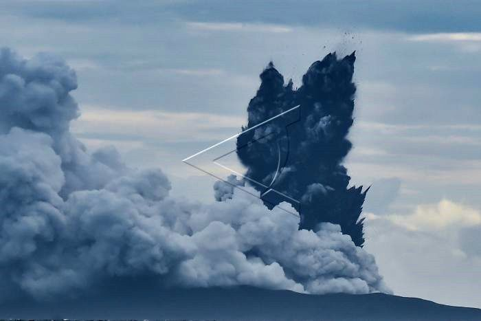 Krakatau - surtseyan activity, characterized by cypressoid jets and ash plumes - images taken from a warship 28.12.2018 / Muhammad Adimaja via antara