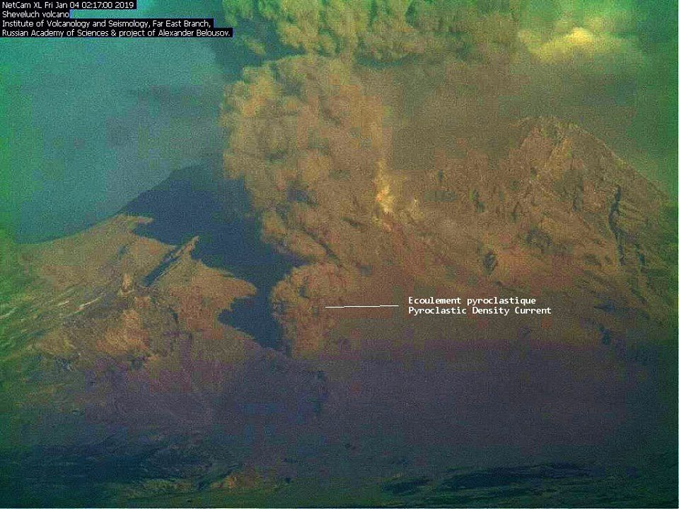 Sheveluch - plume and pyroclastic flow of 04.01.2019 - webcam IVS via Kirill Bakanov