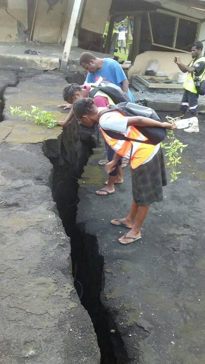 Ambrym - cracks and collapse - photos Red Cross Vanuatu 09.01.2019