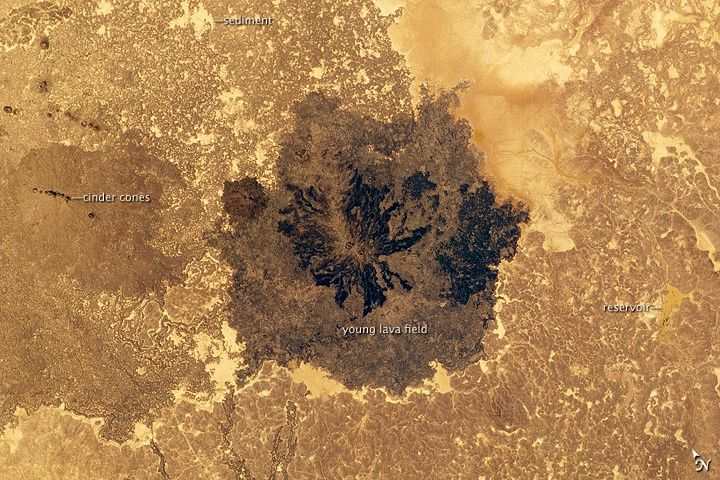 Es Safa Volcanic Field, Syria - photo Nasa ISS 09.2010 - one click to enlarge