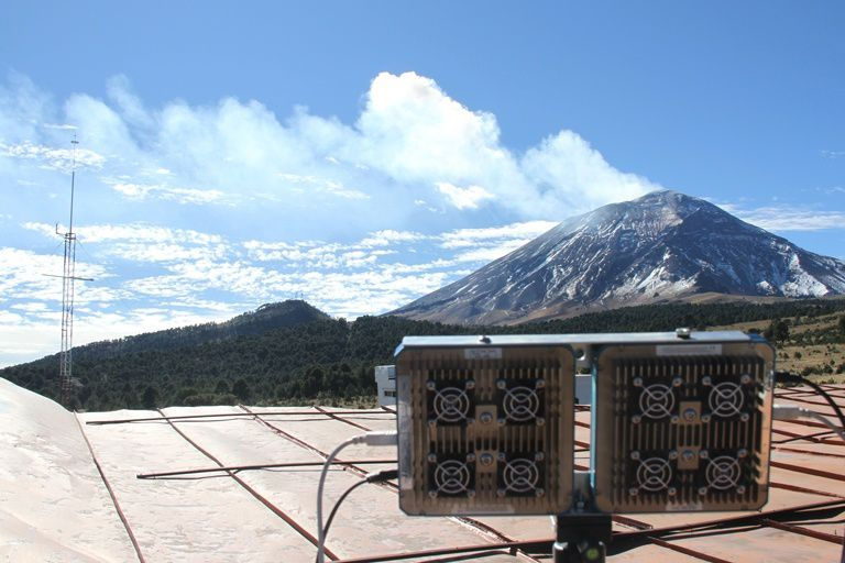 Renewal of the surveillance system of Popocatépetl - photo by Robin Campion / UNAM