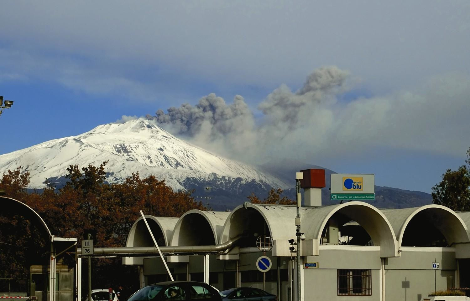 Etna - ash emissions continue - photo Boris Behncke 23.01.2019