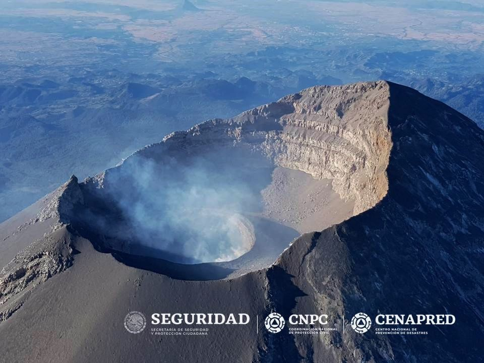 The summit craters of Popocatépetl on 27.01.2019 - photos Cenapred & al.
