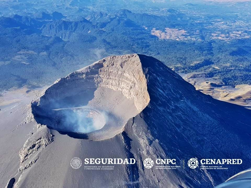 Popocatépetl - photos du survol du 27.01.2019 - photos Cenapred & al.