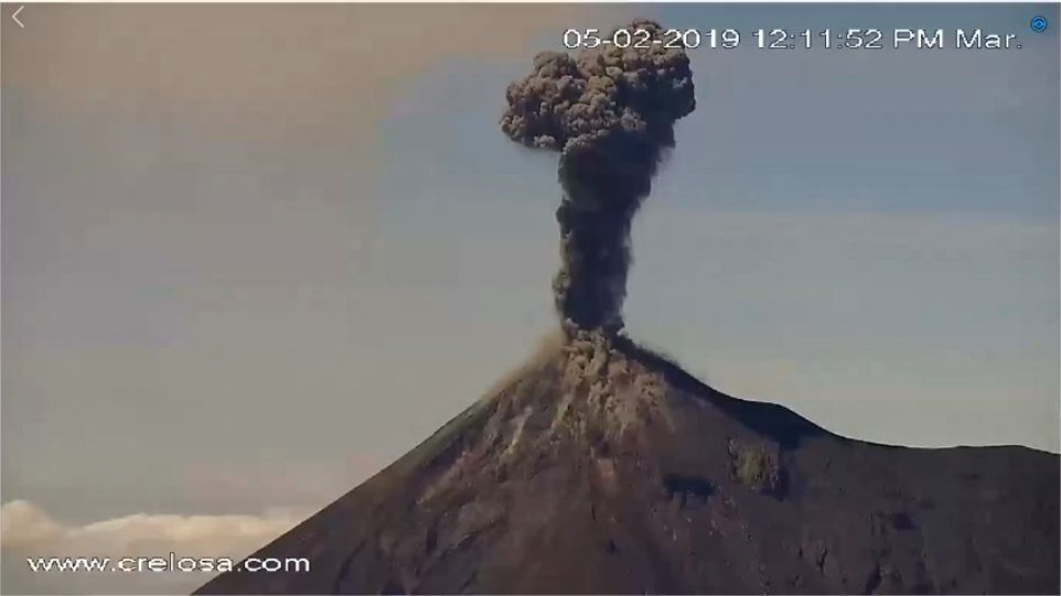 Fuego - ash plumes from February 5th / 12h11 and from 6 February / 8h45 - photos Crelosa via Clima guatemala