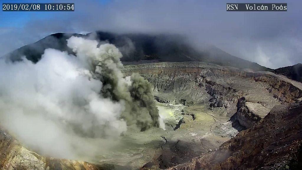 Poas -  éruption le 08.02.2019  / 10h10
