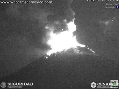 Popocatépetl - explosions on 14.02.2019 in the late evening - Webcamsde Mexico / Cenapred / Seguridad