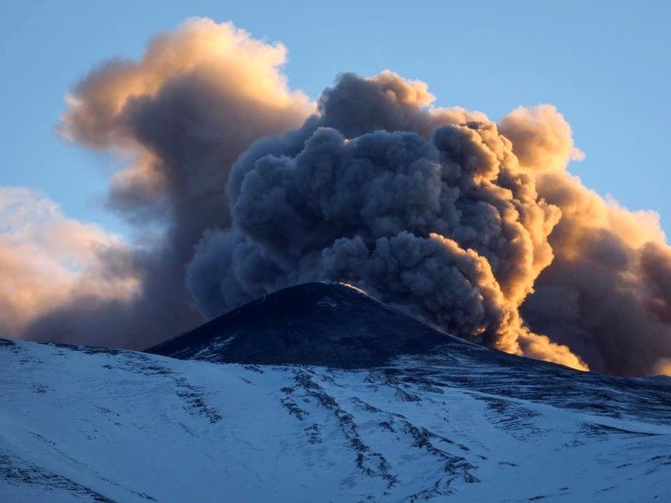 Etna NEC - ash plume from 17.02.2019 - photo Gio Giusa