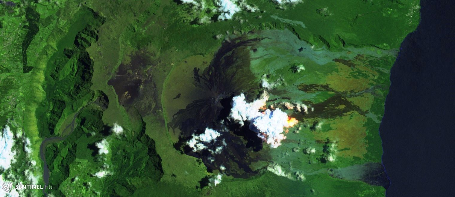 Piton de La Fournaise - image Sentinel-2 image bands 12,11,4 of 21.02.2019 - one click to enlarge