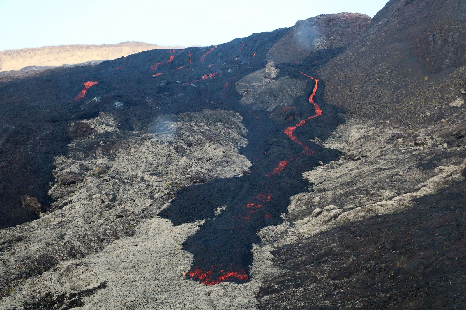 Piton de La Fournaise - the lava flows arms during the field visit of 05.03.2019 - OVPF photos