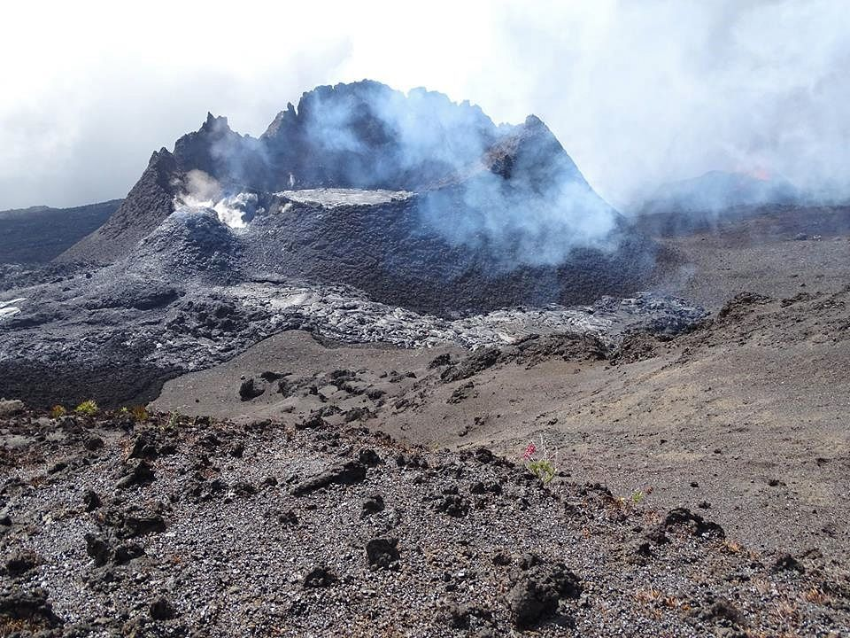 Piton de La Fournaise - Recent structure and flows - photo 08.03.2019 (© OVPF / IPGP)