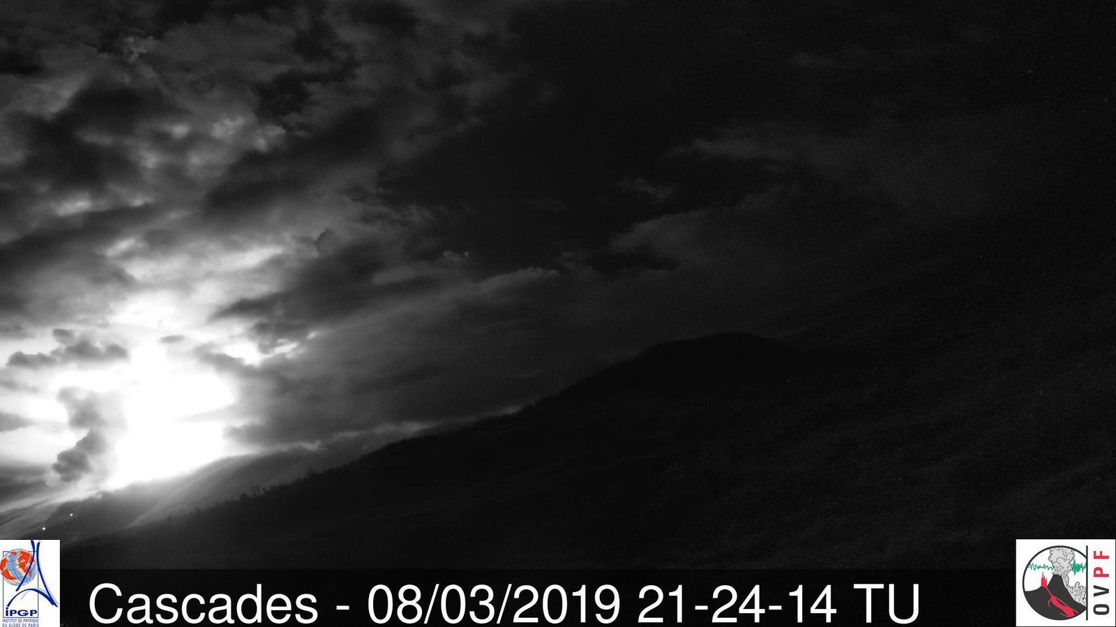 Piton de La Fournaise - the Cascades webcam is operational again - 08.03.2019 / 21h24 UT - OVPF