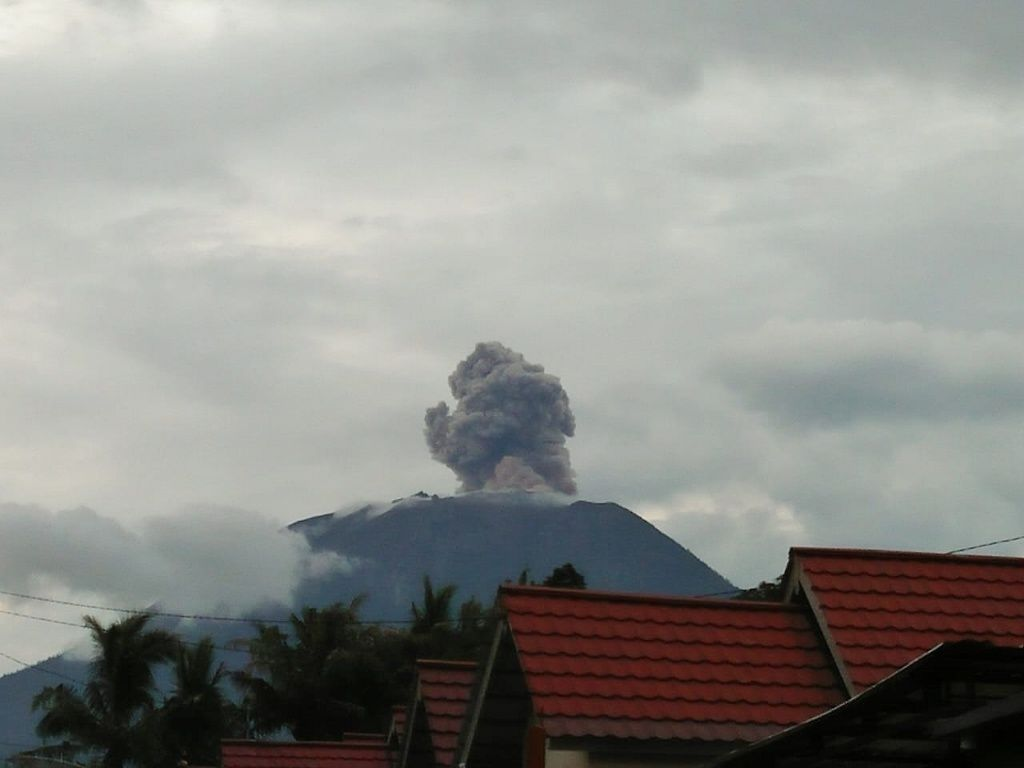 Agung - Eruption of 15.03.2019 - photo PVMBG