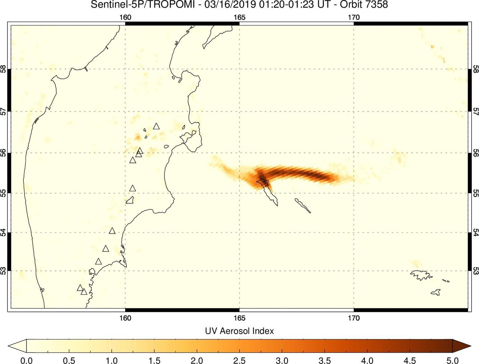 "Ashes and SO2 of the Bezimianny eruption of 15.03.2019, captured by Sentinel 5P / Tropomi SO2 and UV aerosol index on 16.03.2019 / 01h20 - ""A good case of ash-gas separation in a volcanic cloud"". - Doc. transmitted by Simon Carn"