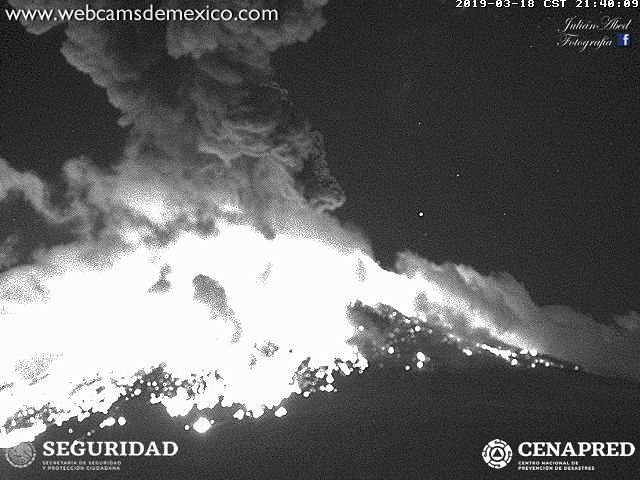 Popocatépetl - explosion of 18.03.2019, at 21:40 and 21:42 - WebcamsdeMexico / Cenapred
