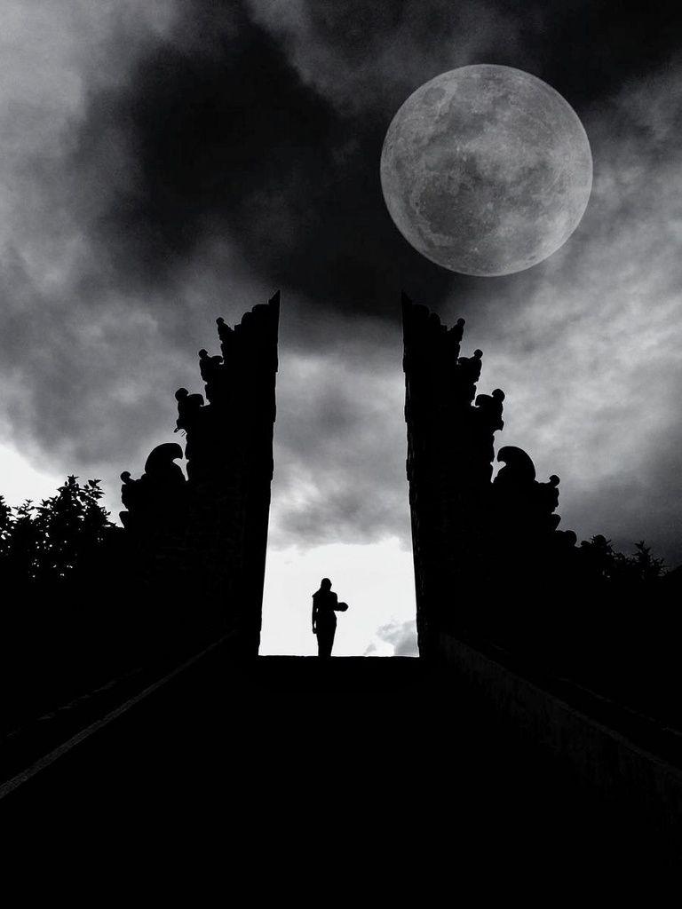 Agung full moon - photo archives 01.2018 / Gus Uri / BNPB