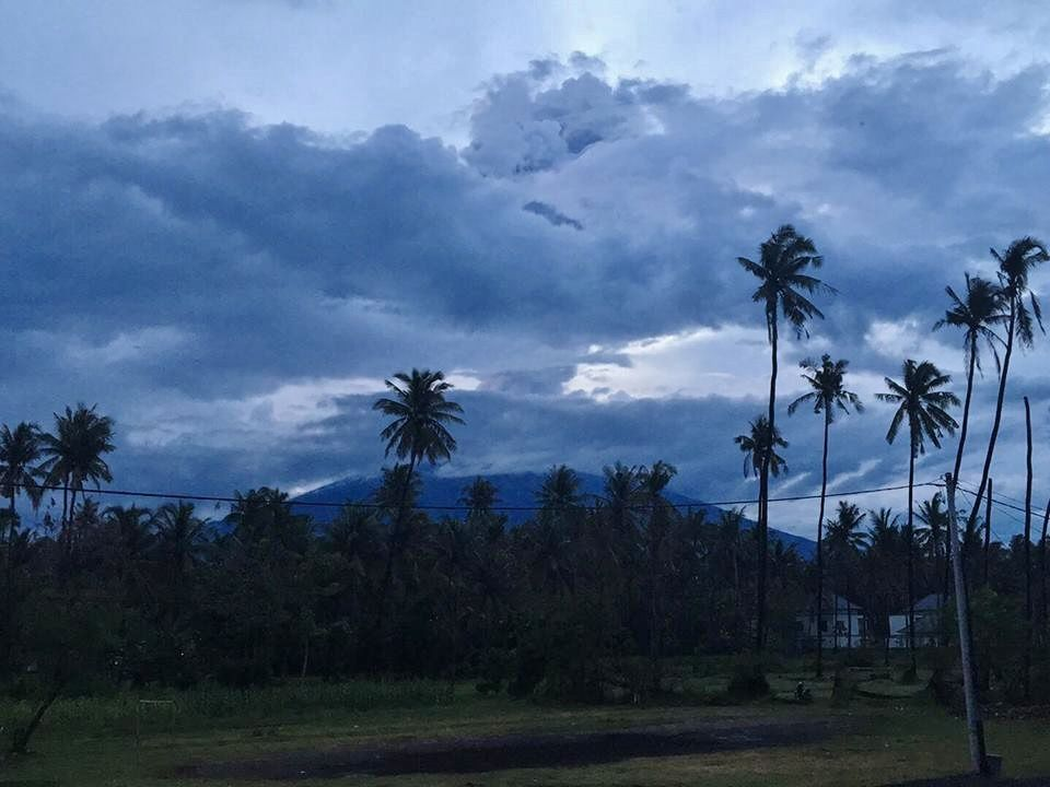 Agung - 28.03.2019 / 18h25 - photo Jackie Pomeroy via Mount Agung Daily Report