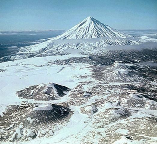 Opala -  photo Leopold Sulerzhitsky (Holocene Kamchataka volcanoes) via  GVP