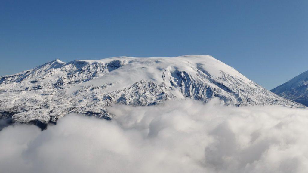 Ushkovsky - photo volcanoesland
