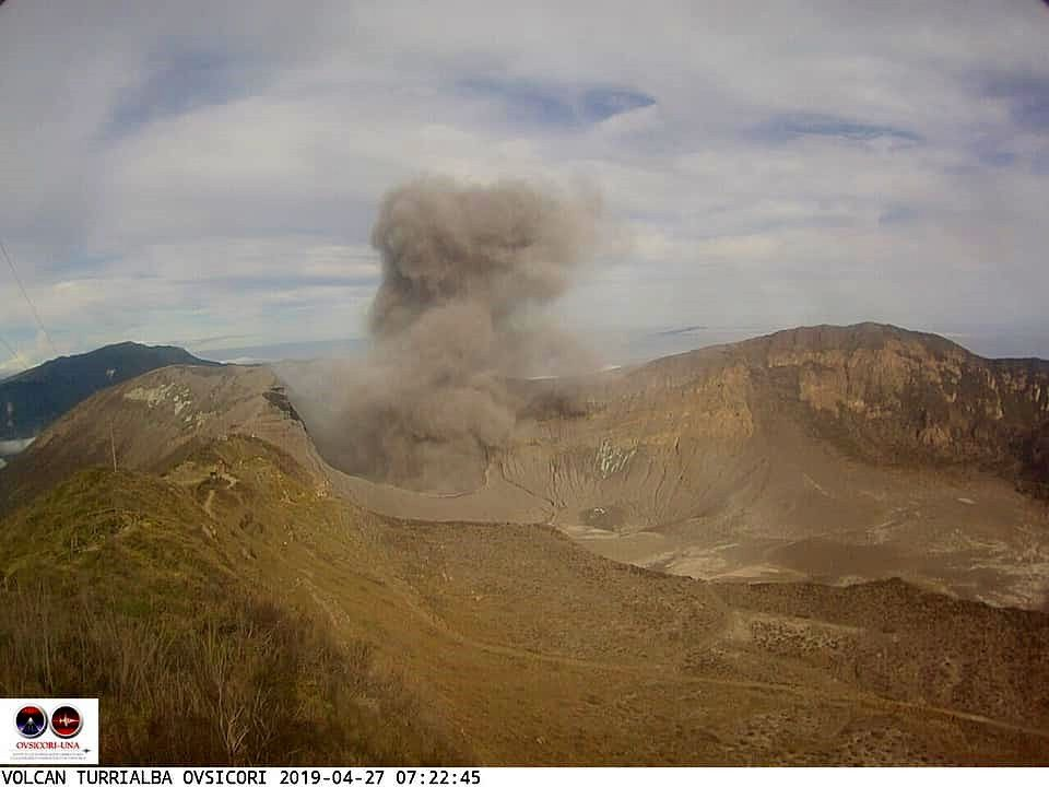 Turrialba - 27.04.2019 / 7h22 - émission de cendres - webcam Ovsicori