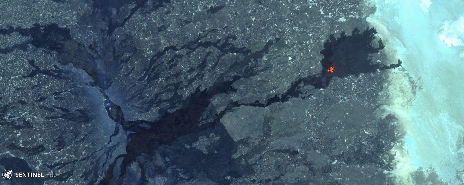 Erta Ale - dégazage dans la caldeira et hot spots en champ lointain - images Sentinel 2 bands 12,11,8A des 24 et 29.04.2019 - un clic pour agrandir