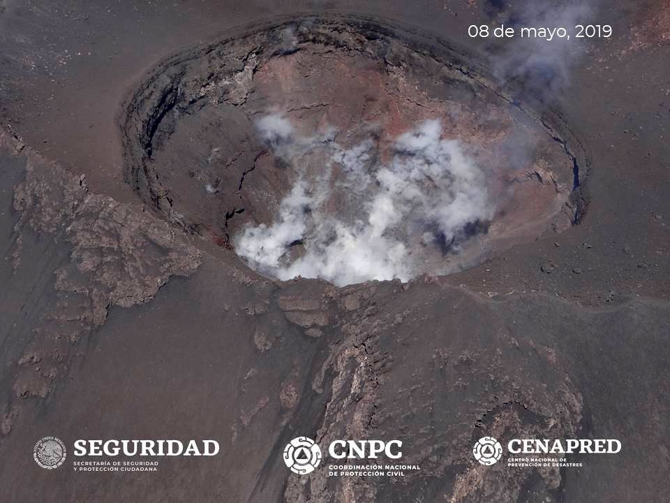 Popocatépetl - crater during the surveillance flight of May 8, 2019 - photo Cenapred / Unam / Policia Federal