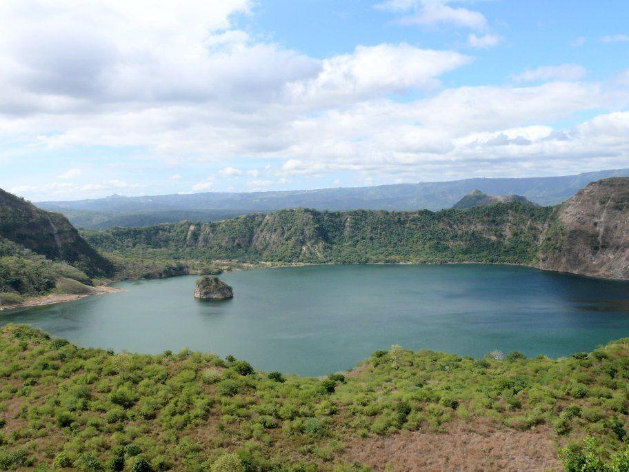 Taal - le lac de cratère principal - Doc.ULB
