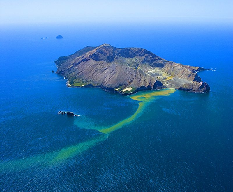 White island - photo J.Shook
