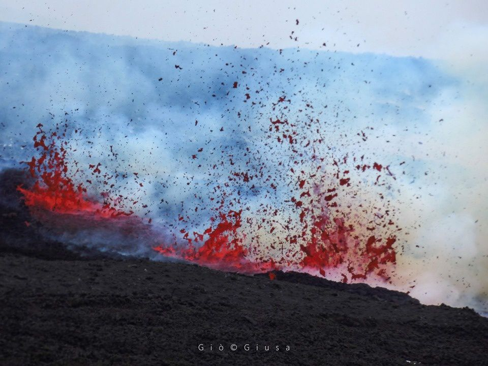 Etna - eruptive fracture on the SSE flank of the NSEC - photo Gio Giusa 30.05.2019 / https://www.facebook.com/giovanni.giusa