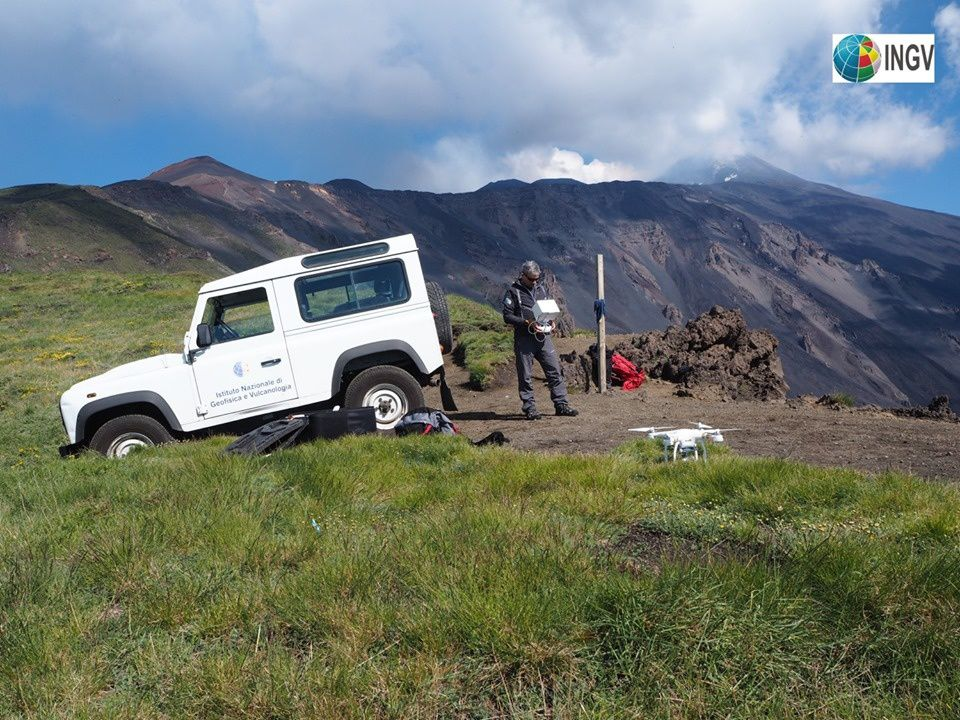 Etna 04.05.2019 - use of a drone for casting mapping in Valle del Bove - photo EM. De Boni / INGV
