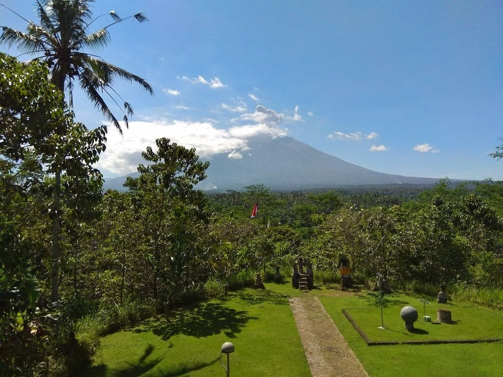 Agung - eruptive episode of 10.06.2019 - photo PVMBG