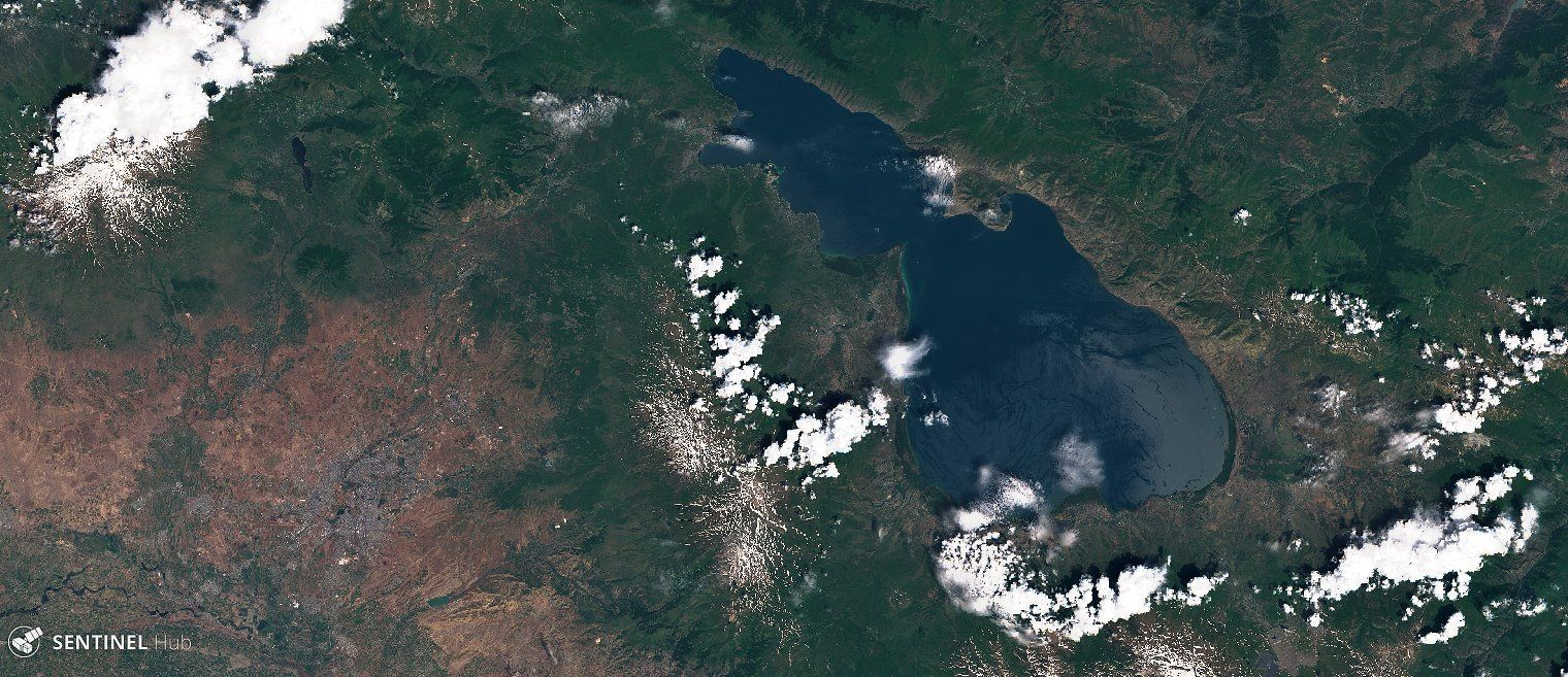 Lake Sevan and Ghegam ridge (snow-covered peaks), seen by Sentinel 2 nat colors on 160.06.2019 - one click to enlarge