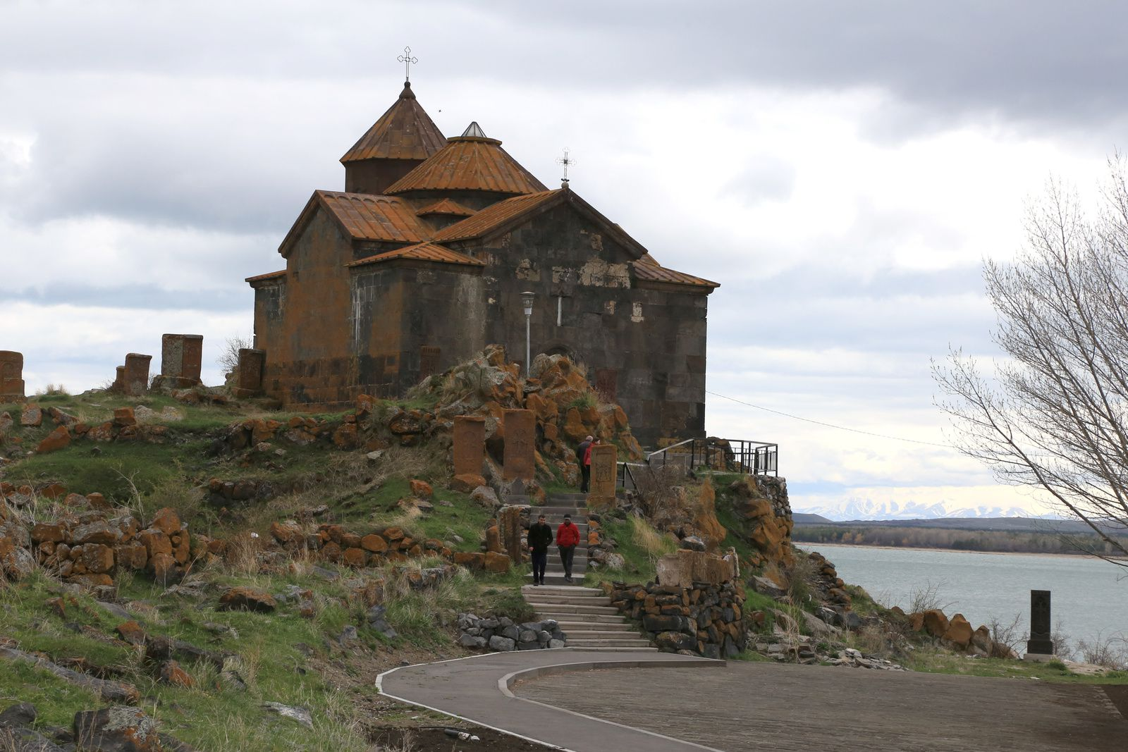 Armenia - Lake Sevan - Hayravank church (9 ° -12 ° century) dominates the lake - photo © Bernard Duyck 2019