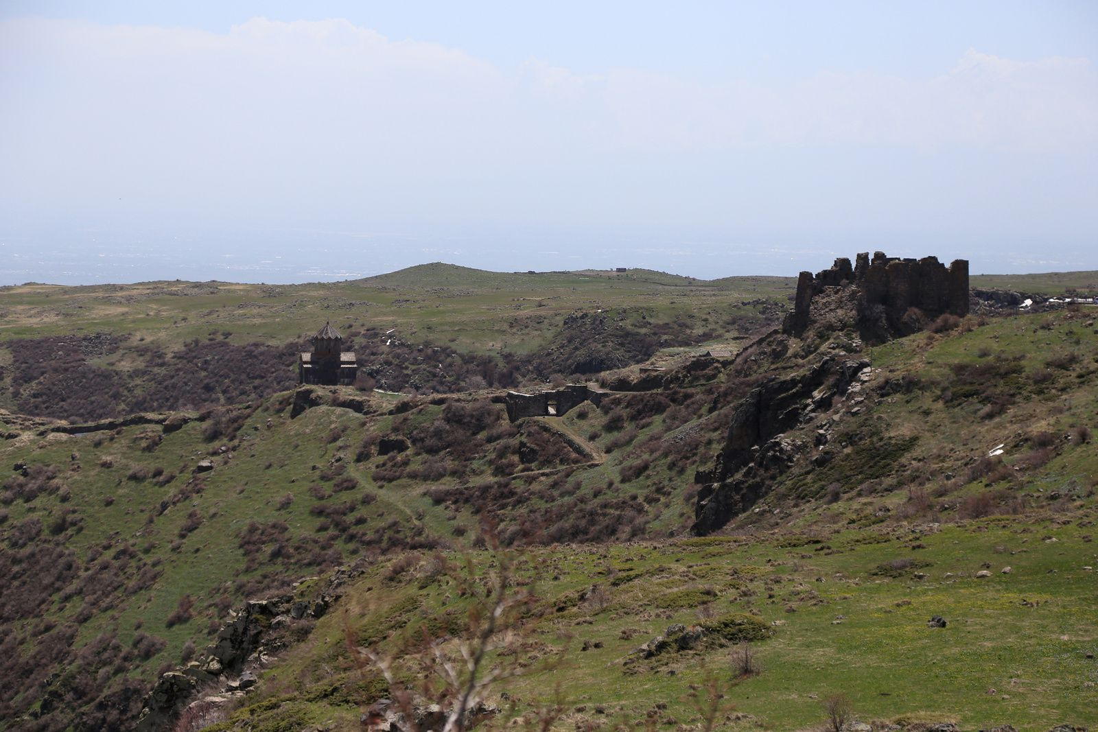 Armenia - The Fortress of Amberd and Vahramashen Church - photo © Bernard Duyck 2019