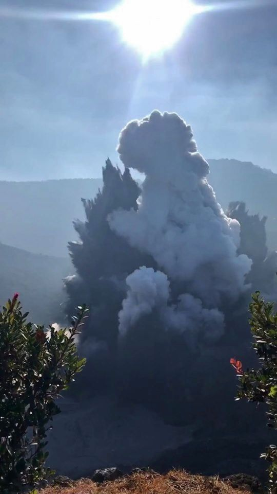 Tangkuban Perahu - initial phase of the phreatic eruption of 26.07.2019 - from video