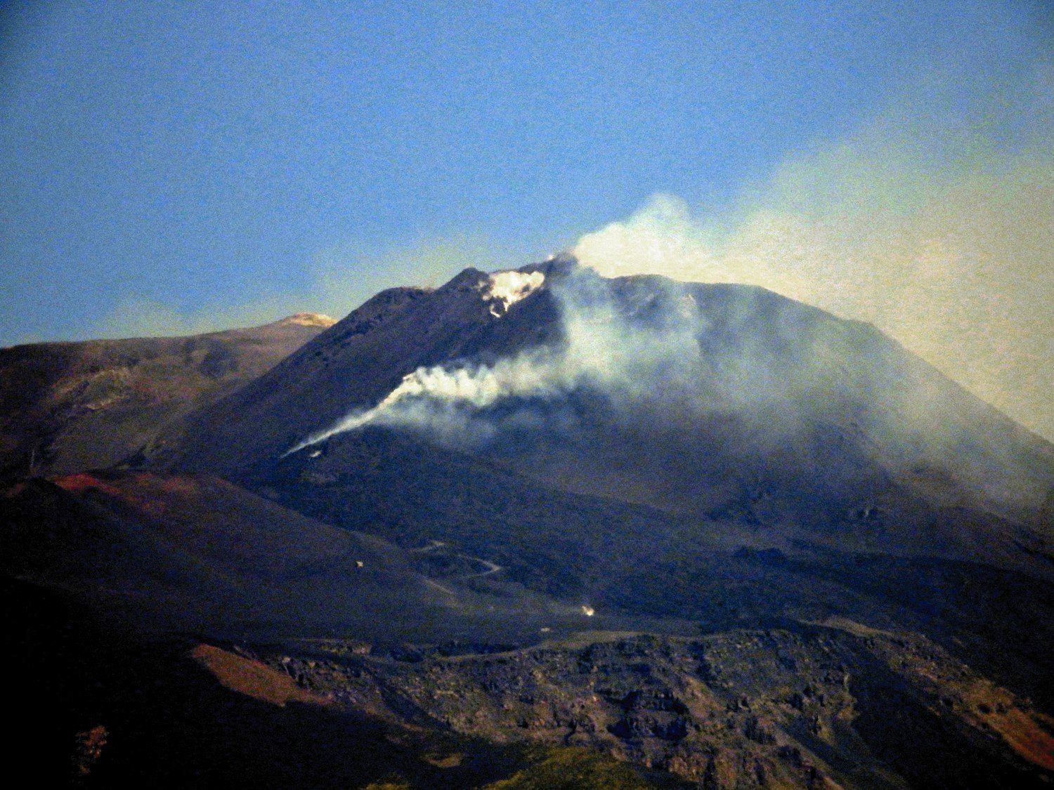 Etna NSEC - 27.07.2019 / 8:24 UTC from Tremestieri Etneo - photo INGVvulcani