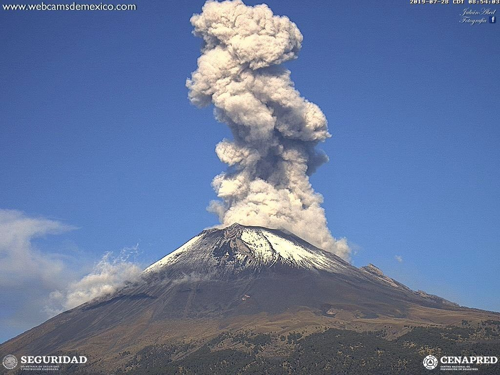 Popocatépetl - explosion et panache du 28.07.2019 à 8h54  - WebcamsdeMexico