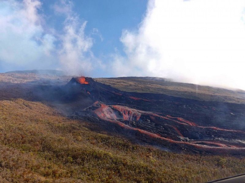 Piton de La Fournaise - 13.08.2019 - the lava flow towards the RN2 - photo OVPF