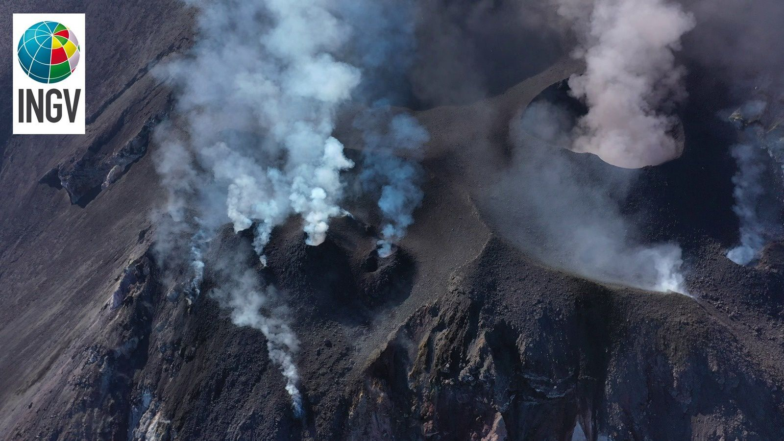 Stromboli - north sector (left) with 9 active vents - south-central sector (right) with a large cone of slag - photo INGV