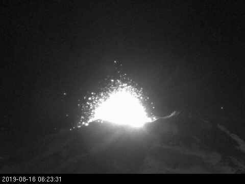 Nevados of Chillan - explosion the 16.08.2019 / 06h23 - webcam Sernageomin