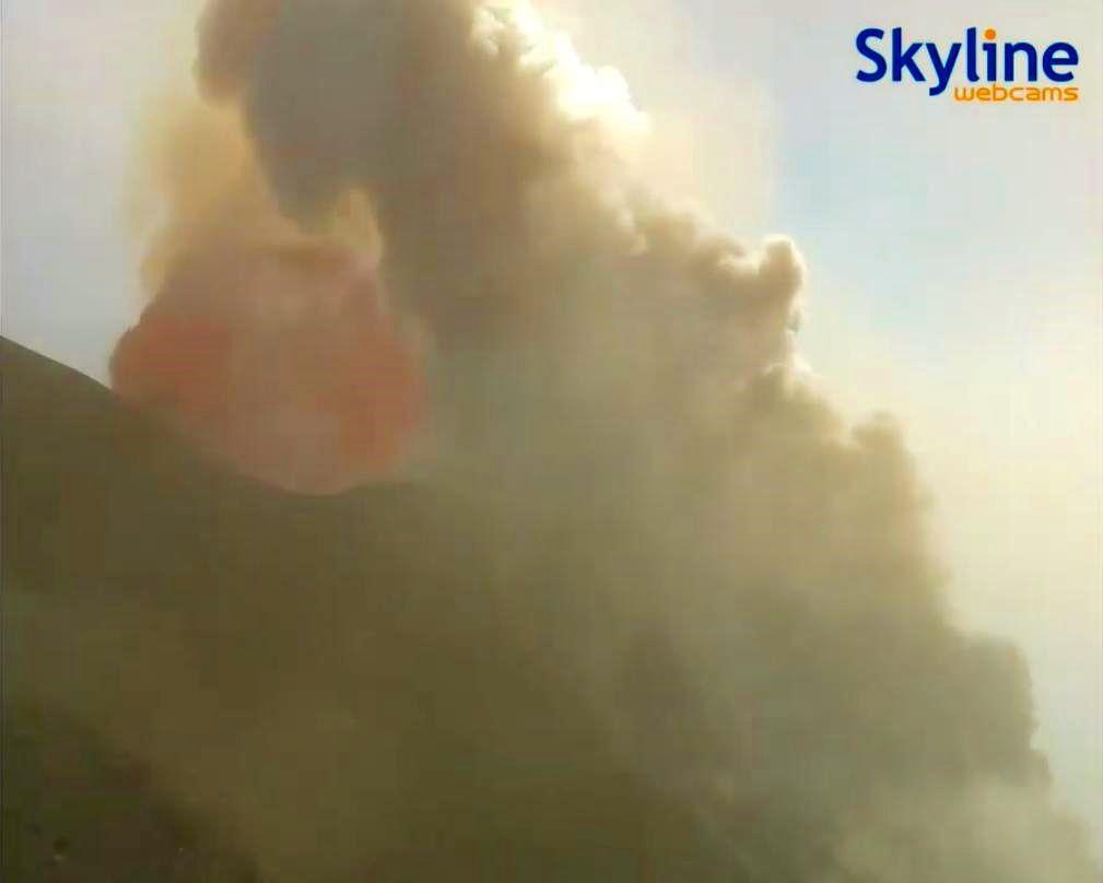 Stromboli - 28.08.2019 - départ du paroxysme - Skyline webcams