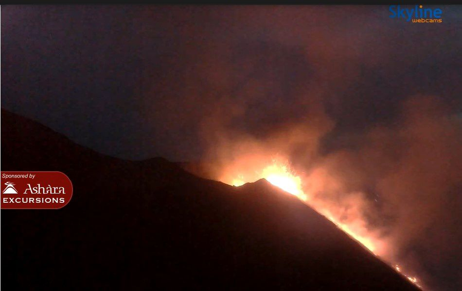 Stromboli - continuation of eruptive activity on 28.08.2019 around 20h - Skyline webcams