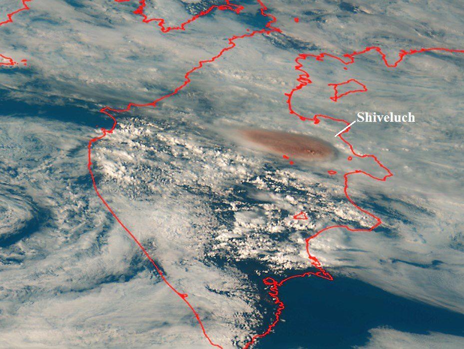 Sheveluch - ash plume of 29.08.2019 - image Himawari-8 - via Kirill Bakanov / Twitter