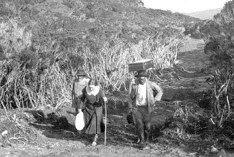 La Reunion, Piton de La Fournaise - Louise Cornu and Brigadier Jasmin - photo collection Cornu family.