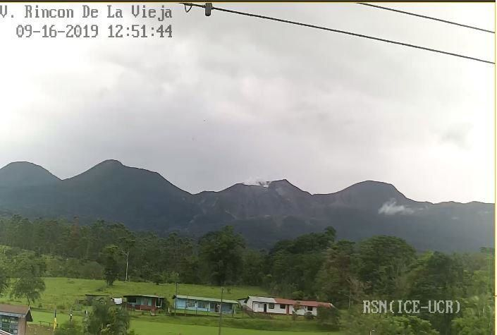 Rincon de LaVieja - small phreatic eruption with weak degassing on 16.09.2019 / 12h51 - photo RSN