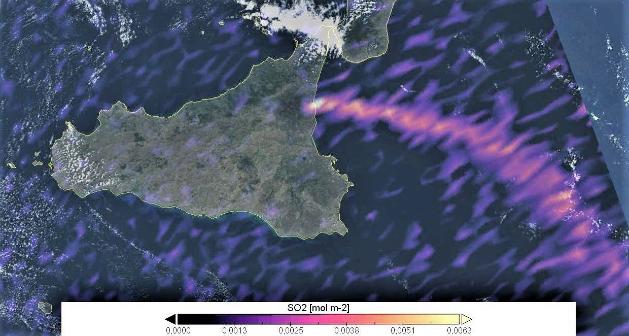 Etna - SO2 plume, thanks to a combination of Sentnel 3 and Sentinel 5P images / 25.09.2019 - Doc. Copernicus